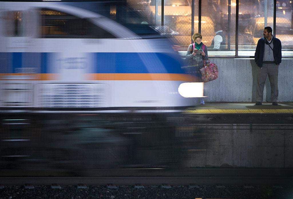 Metro Train Shutdown For The Day Harries Commuters